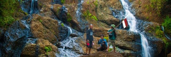 Lewat Cinomati ke Curug Banyunibo Sanggrahan