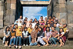 http://www.mblusuk.com/gambar/picart/boko2005/2005bokoALLtb.jpg